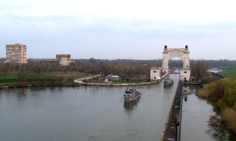 Корабли Каспийской флотилии прошли через шлюзы Волго-Донского канала в Волгограде