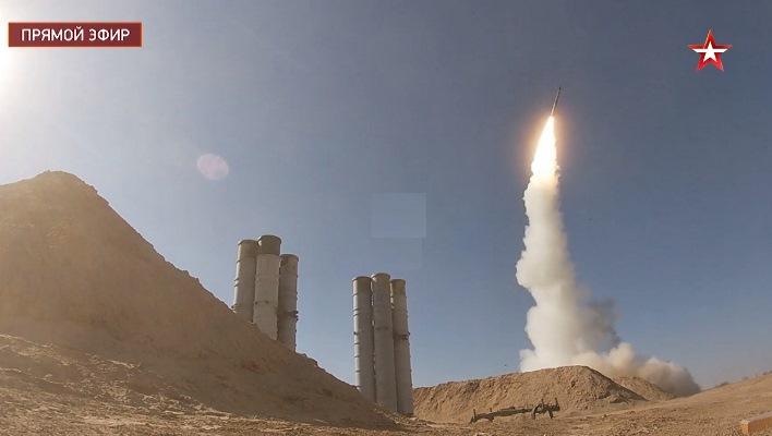 В Астраханской области зенитчики ЗВО отразили массированный ракетный удар