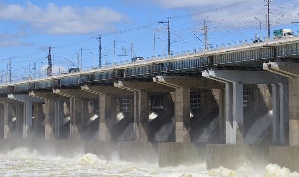 Волжская ГЭС продолжает снижать расходы воды по указанию Росводресурсов
