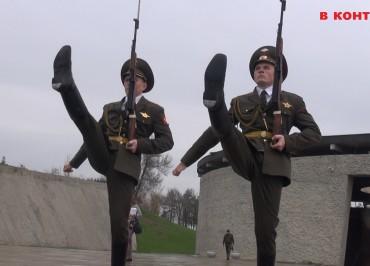 1-mamaev-kurgan-volgograd-rota-pochetnogo-karaula