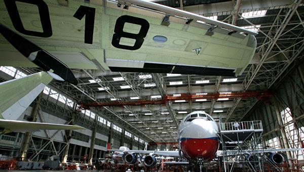 РИА опубликовало изображения возможных компоновок салона новейшего российского широкофюзеляжного авиалайнера Ил-96-400