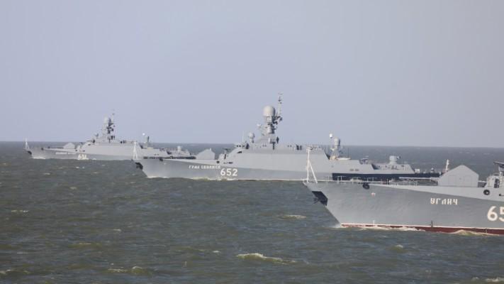 В ВМФ РФ впервые запустили БЛА с корабля для контроля «Калибров» на Каспии