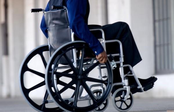 Путин подписал закон о переоборудовании домов для нужд инвалидов
