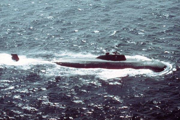 Советская подлодка К-314 вспорола авианосец Kitty Hawk 36 лет назад