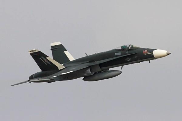 Американский F-18 перекрасили под Су-30СМ ВМФ России