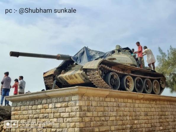 В Индии Т-55 обретают вторую жизнь - в виде памятников