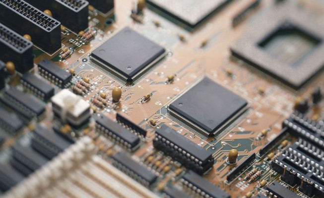 Борисов заявил о необходимости крупных инвестиций в электронную промышленность — видео