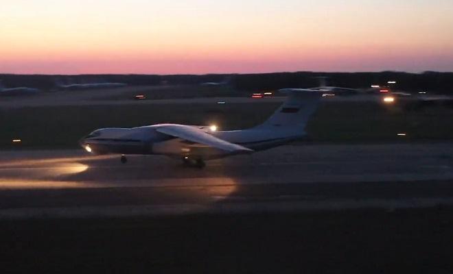 Ночные учебно-тренировочные полеты Ил-76 в Тверской области — видео
