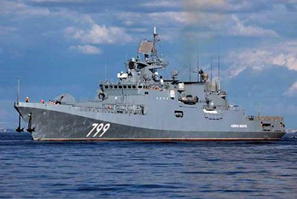 Фрегат «Адмирал Макаров» зашёл на греческий остров Корфу