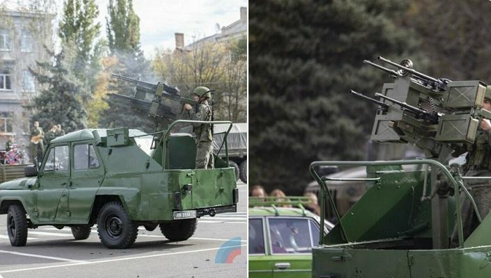 Боевой УАЗ с необычной пулеметной установкой показали в Луганске