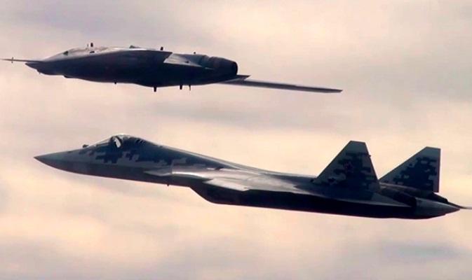 Новая защитная окраска Су-57 повторяет очертания «Охотника»