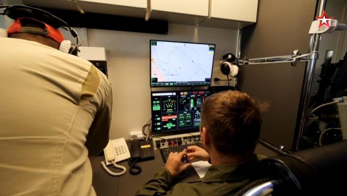 Как выглядит пункт управления ударным беспилотником С-70 «Охотник»