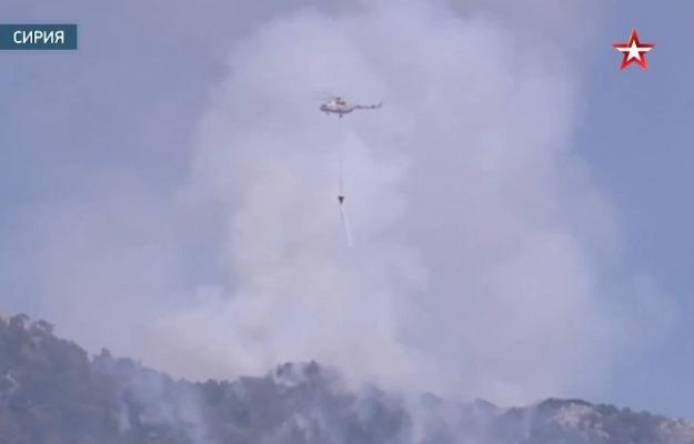 Многоцелевые Ми-8 МТВ-5 тушат пожары в Сирии — видео