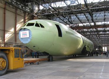 Il-96-400M_2