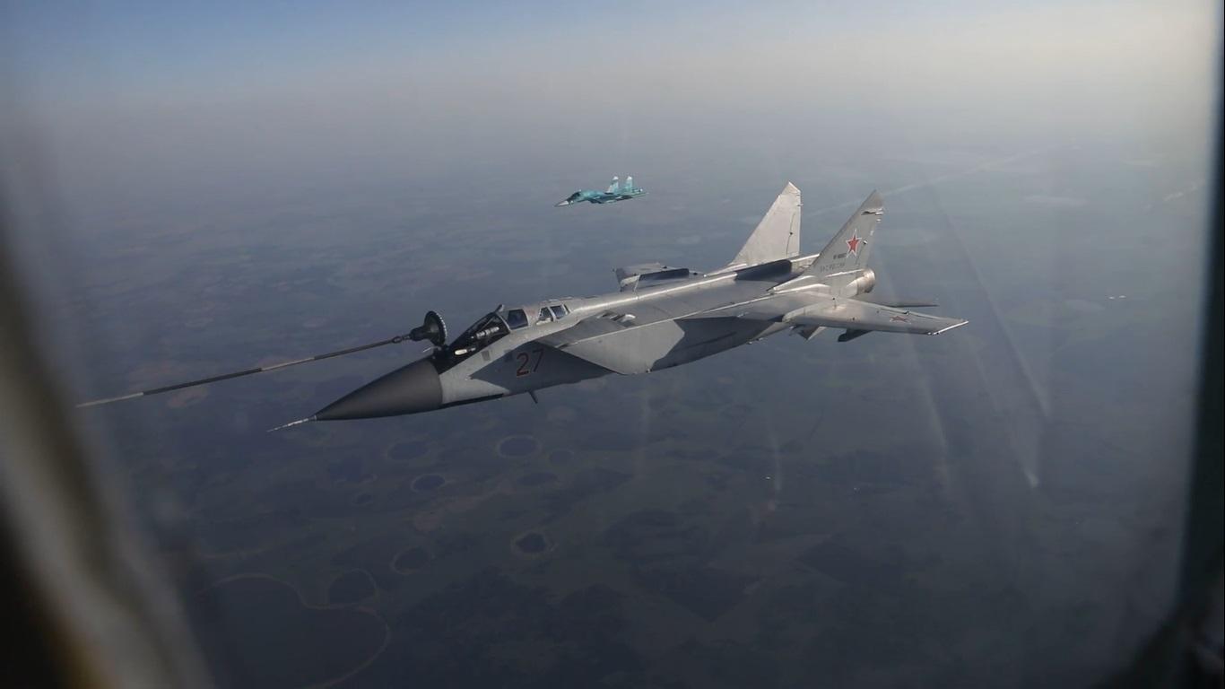 В ЦВО экипажами совершено более 150 подходов к танкеру Ил-78 для дозаправки