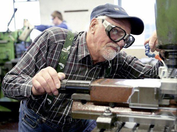 Повышение пенсий для работающих пенсионеров, которое было намечено на 1 августа 2017 года, состоится