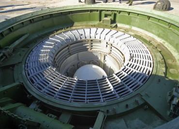 Raketa_RS-18_v_shahtnoj_puskovoj_ustanovke_Sergej_Kazak_RIA_1000_d_850