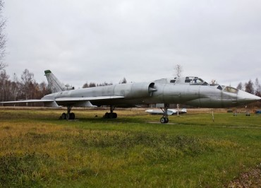 Tupolev_Tu-128UT_d_850
