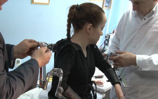 В Волгограде изобрели экзоскелет для чемпионки мира по паралимпийскому плаванию