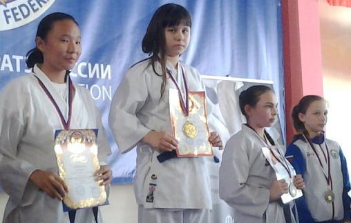 Юная каратистка из Волжского выиграла «золото» на первенстве России