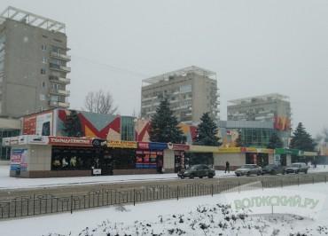 meriya-volzhskogo-namerena-demontirovat-pavilony-u-tsuma