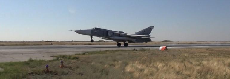 На аэродроме под Волгоградом проходят тренировки фронтовой авиации на самолетах СУ-24МР