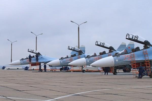 Под Курском прошли первые полеты на сверхманевренных истребителях Су-30СМ