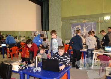 v-volzhskom-zavershilsya-otborochnyy-tur-na-robofest-2017-1485764160