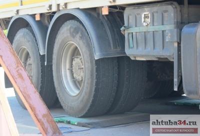 ГИБДД Волжского к административной ответственности привлечено 143 водителя крупногабаритного и тяжеловесного транспорта