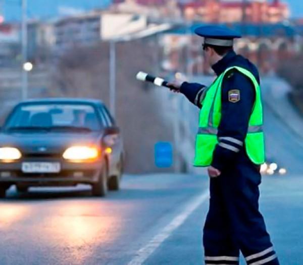 В Среднеахтубинском районе задержан водитель иномарки, перевозивший марихуану в багажнике