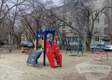 volzsky.ru-v-volzhskom-reshayutsya-sudby-detskih-ploshchadok