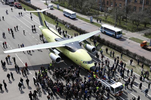 «Антонов» начнет поставки Ан-178 без российских комплектующих с 2022 года